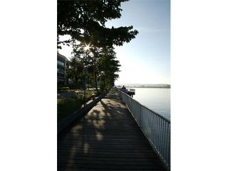 Photo 7: 409 1230 QUAYSIDE Drive in New Westminster: Quay Condo for sale : MLS®# V837097