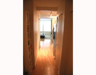 """Photo 6: 303 1503 W 65TH Avenue in Vancouver: S.W. Marine Condo for sale in """"SOHO"""" (Vancouver West)  : MLS®# V716674"""