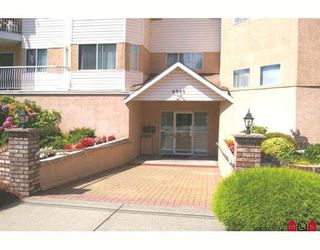 "Photo 9: 314 8985 MARY Street in Chilliwack: Chilliwack W Young-Well Condo for sale in ""CARRINGTON COURT"" : MLS®# H2804526"