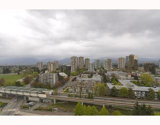 "Photo 9: 17A 6128 PATTERSON Avenue in Burnaby: Metrotown Condo for sale in ""GRAND CENTRAL PARK PLACE"" (Burnaby South)  : MLS®# V765402"