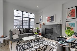 Photo 2: 2108 49 Avenue SW in Calgary: Altadore Row/Townhouse for sale : MLS®# C4273549