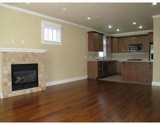 """Photo 3: 2007 W 13TH Avenue in Vancouver: Kitsilano Townhouse for sale in """"THE MAPLES"""" (Vancouver West)  : MLS®# V782705"""