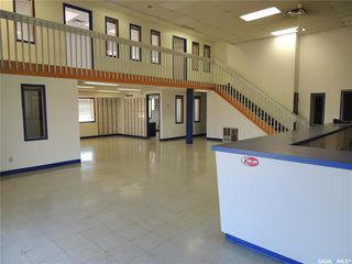 Photo 2: 280 Kensington Avenue in Estevan: Commercial for sale : MLS®# SK812917