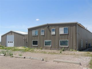 Photo 1: 280 Kensington Avenue in Estevan: Commercial for sale : MLS®# SK812917