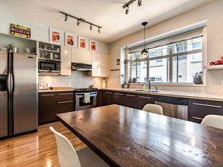"""Photo 10: 3762 WELWYN Street in Vancouver: Victoria VE Townhouse for sale in """"STORIES"""" (Vancouver East)  : MLS®# R2476190"""