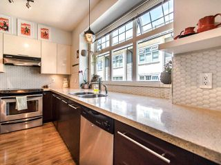 "Photo 12: 3762 WELWYN Street in Vancouver: Victoria VE Townhouse for sale in ""STORIES"" (Vancouver East)  : MLS®# R2476190"