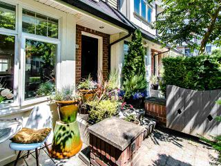 "Photo 5: 3762 WELWYN Street in Vancouver: Victoria VE Townhouse for sale in ""STORIES"" (Vancouver East)  : MLS®# R2476190"