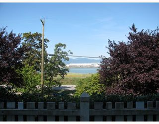 "Photo 3: 117 5500 LYNAS Lane in Richmond: Riverdale RI Condo for sale in ""HAMPTONS"" : MLS®# V784050"