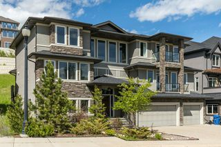 Main Photo: 137 SPRINGBLUFF Boulevard SW in Calgary: Springbank Hill Detached for sale : MLS®# A1015849