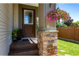 "Photo 3: 5 7475 GARNET Drive in Chilliwack: Sardis West Vedder Rd Townhouse for sale in ""Silver Creek Estates"" (Sardis)  : MLS®# R2481336"
