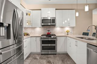 Photo 2: 505 3585 146A Street in Surrey: King George Corridor Condo for sale (South Surrey White Rock)  : MLS®# R2502630