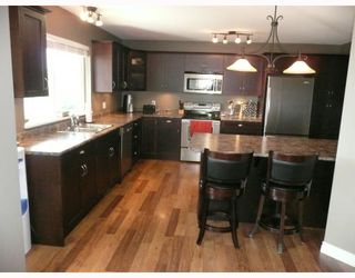 "Photo 3: 6373 PICADILLY Place in Sechelt: Sechelt District House for sale in ""W. SECHELT"" (Sunshine Coast)  : MLS®# V789701"