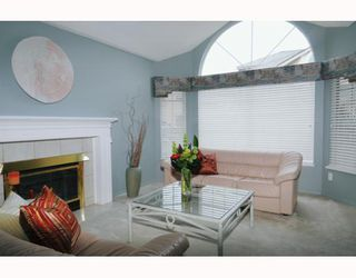 Photo 2: 429 BROMLEY Street in Coquitlam: Coquitlam East Townhouse for sale : MLS®# V802990