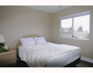 Photo 10: 429 BROMLEY Street in Coquitlam: Coquitlam East Townhouse for sale : MLS®# V802990