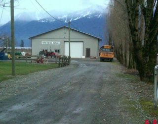 Photo 2: 8548 BANFORD Road in Chilliwack: East Chilliwack House for sale : MLS®# H1000556