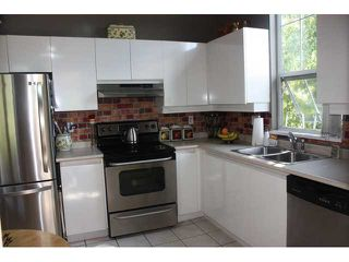 """Photo 4: 411 1199 WESTWOOD Street in Coquitlam: North Coquitlam Condo for sale in """"LAKESIDE TERRACE"""" : MLS®# V842166"""