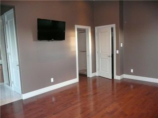 Photo 8: 611 54 Avenue SW in CALGARY: Windsor Park Residential Detached Single Family for sale (Calgary)  : MLS®# C3445167