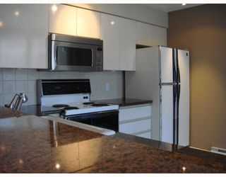 """Photo 4: 306 990 BEACH Avenue in Vancouver: False Creek North Condo for sale in """"1000 BEACH"""" (Vancouver West)  : MLS®# V746759"""