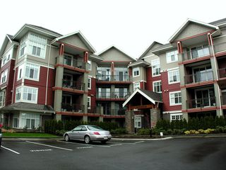 "Photo 1: 101A 45595 TAMIHI Way in Sardis: Vedder S Watson-Promontory Condo for sale in ""THE HARTFORD"" : MLS®# H2901302"