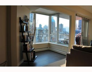 "Photo 5: 1506 58 KEEFER Place in Vancouver: Downtown VW Condo for sale in ""Firenze"" (Vancouver West)  : MLS®# V772940"