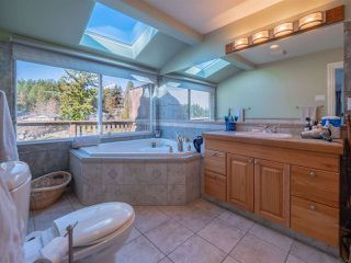 Photo 11: 5603 MINTIE Road in Halfmoon Bay: Halfmn Bay Secret Cv Redroofs House for sale (Sunshine Coast)  : MLS®# R2418354