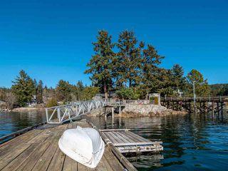 Photo 3: 5603 MINTIE Road in Halfmoon Bay: Halfmn Bay Secret Cv Redroofs House for sale (Sunshine Coast)  : MLS®# R2418354