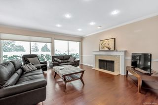 Photo 5: 803 YOUNETTE Drive in West Vancouver: Sentinel Hill House for sale : MLS®# R2429557