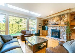 "Photo 3: 14683 73A Avenue in Surrey: East Newton House for sale in ""Chimney Heights"" : MLS®# R2437483"