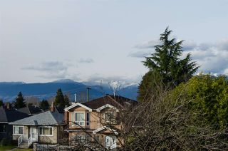 Photo 2: 2880 E 22ND Avenue in Vancouver: Renfrew Heights House for sale (Vancouver East)  : MLS®# R2442140