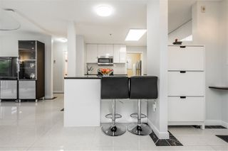 """Photo 4: 211 20140 56 Avenue in Langley: Langley City Condo for sale in """"PARK PLACE"""" : MLS®# R2468762"""