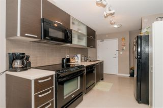 """Photo 10: 1201 9981 WHALLEY Boulevard in Surrey: Whalley Condo for sale in """"TWO PARK PLACE"""" (North Surrey)  : MLS®# R2482437"""
