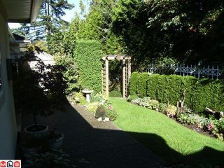 "Photo 10: 6 15099 28TH Avenue in Surrey: Elgin Chantrell Townhouse for sale in ""Gardens at Semiahmoo"" (South Surrey White Rock)  : MLS®# F1026125"