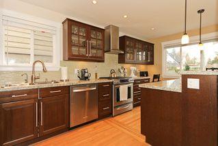 "Photo 3: 1708 DUNCAN Drive in Tsawwassen: Beach Grove House for sale in ""BEACH GROVE"" : MLS®# V868678"