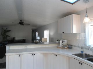 Photo 5: 12 2315 198 Street in Langley: Brookswood Langley Manufactured Home for sale : MLS®# R2389863