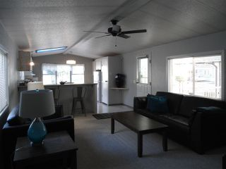 Photo 4: 12 2315 198 Street in Langley: Brookswood Langley Manufactured Home for sale : MLS®# R2389863