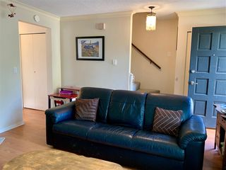 Photo 3: 6113 MORGAN Drive in Surrey: Cloverdale BC House 1/2 Duplex for sale (Cloverdale)  : MLS®# R2400124