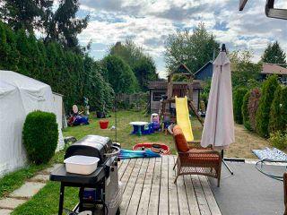 Photo 10: 6113 MORGAN Drive in Surrey: Cloverdale BC House 1/2 Duplex for sale (Cloverdale)  : MLS®# R2400124