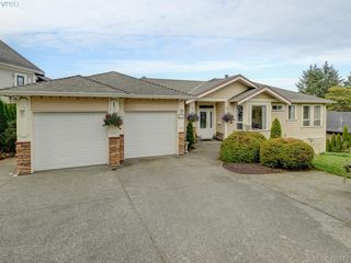 Photo 1: 2363 Tanner Road in VICTORIA: CS Tanner Single Family Detached for sale (Central Saanich)  : MLS®# 416573
