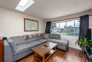 Photo 2: 500 Nechako Ave in : CV Courtenay East House for sale (Comox Valley)  : MLS®# 853647