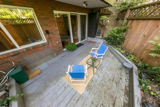 "Photo 2: 105 550 E 6TH Avenue in Vancouver: Mount Pleasant VE Condo for sale in ""LANDMARK GARDENS"" (Vancouver East)  : MLS®# R2495111"