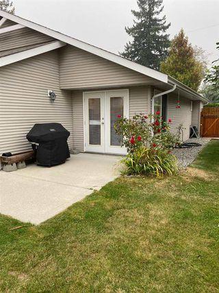 "Photo 2: 5685 NICKERSON Road in Sechelt: Sechelt District House for sale in ""West Sechelt"" (Sunshine Coast)  : MLS®# R2497356"