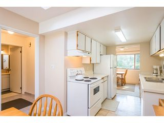 """Photo 4: 1805 LILAC Drive in Surrey: King George Corridor Townhouse for sale in """"ALDERWOOD"""" (South Surrey White Rock)  : MLS®# R2511865"""