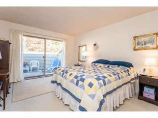 """Photo 20: 1805 LILAC Drive in Surrey: King George Corridor Townhouse for sale in """"ALDERWOOD"""" (South Surrey White Rock)  : MLS®# R2511865"""