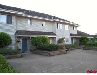 "Photo 2: 11 13640 84TH Avenue in Surrey: Bear Creek Green Timbers Townhouse for sale in ""The Trails"" : MLS®# F2822642"