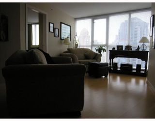 "Photo 4: 1907 1199 SEYMOUR Street in Vancouver: Downtown VW Condo for sale in ""BRAVA"" (Vancouver West)  : MLS®# V742072"