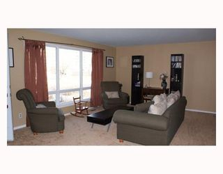 Photo 3:  in WINNIPEG: Westwood / Crestview Residential for sale (West Winnipeg)  : MLS®# 2905802