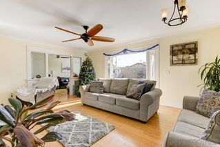 Photo 8: SAN DIEGO House for sale : 4 bedrooms : 1851 Hermes St