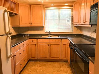 "Photo 2: 203 1381 MARTIN Street: White Rock Condo for sale in ""Chestnut Village"" (South Surrey White Rock)  : MLS®# R2428116"
