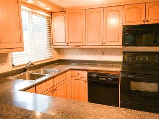 "Photo 3: 203 1381 MARTIN Street: White Rock Condo for sale in ""Chestnut Village"" (South Surrey White Rock)  : MLS®# R2428116"