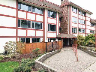 "Photo 1: 203 1381 MARTIN Street: White Rock Condo for sale in ""Chestnut Village"" (South Surrey White Rock)  : MLS®# R2428116"